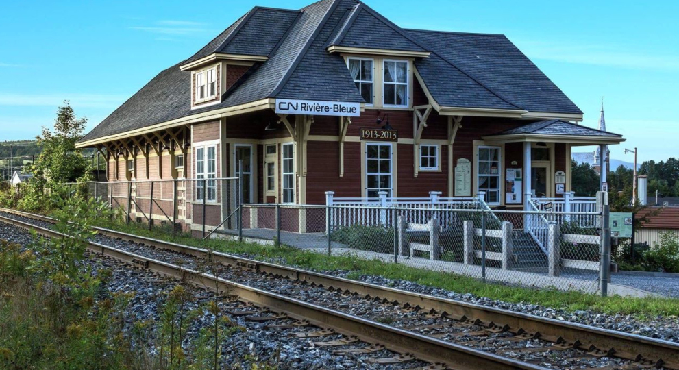 la vieille gare de riviere bleue la vieille gare de riviere bleue